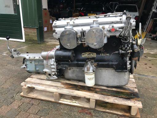 Jaguar XK120 Engine and Gear Box overhaul